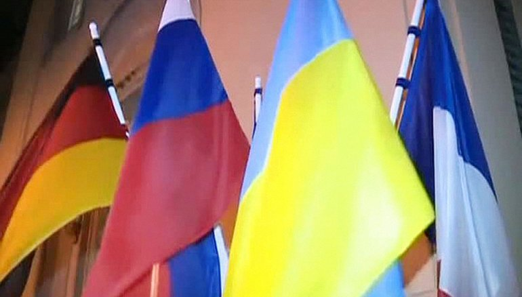 Порошенко пообщается с лидерами Франции, Германии и России  - фото 1
