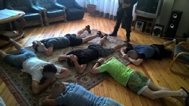 Полиция накрыла 5 центров  - фото 1