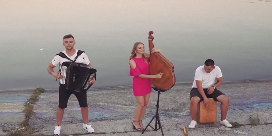 Despacito украинская версия: на бандуре и аккордеоне - фото 1