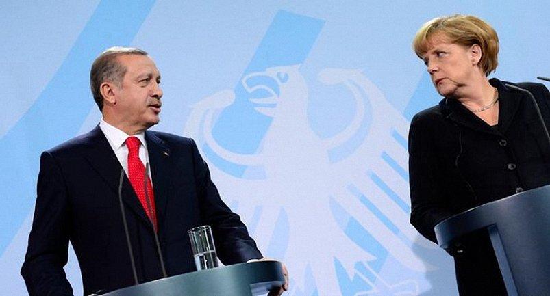 Канцлер Германии Ангела Меркель ответила Эрдогану во время мероприятия Христианско-демократического союза в городе Херфорд - фото 1