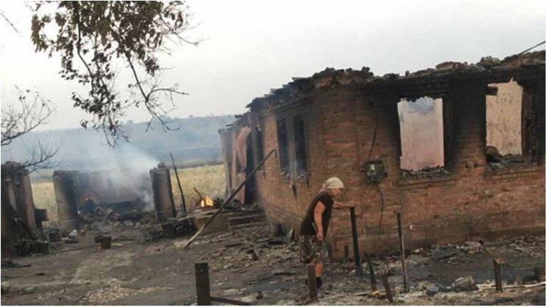Огонь уничтожил 4 дома  - фото 1