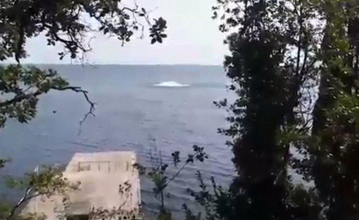 Что именно взорвалось в море, неизвестно - фото 1