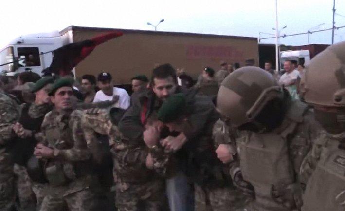 Из-за прорыва Саакшвили получили травмы 5 пограничников и 11 полицейских - фото 1