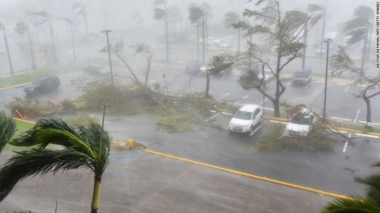 Пуэрто-Рико накрыл мощный ураган - фото 1