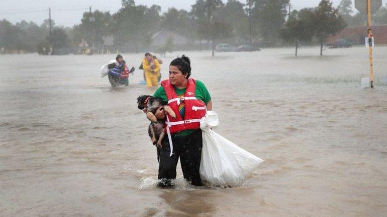 В Техасе зафиксирован мощный ураган - фото 1