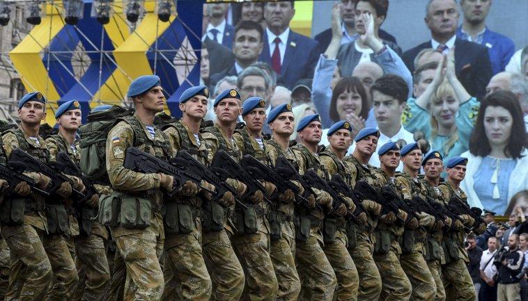 Украинским военным в несколько раз повысят оклады - фото 1