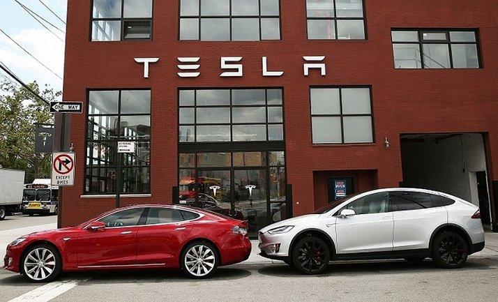 Масштабное сокращение в Tesla - фото 1