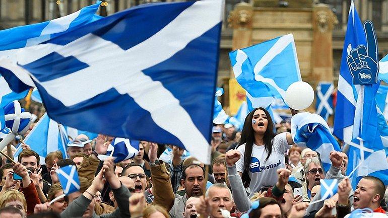 Шотландия поддержала независимость Каталонии - фото 1