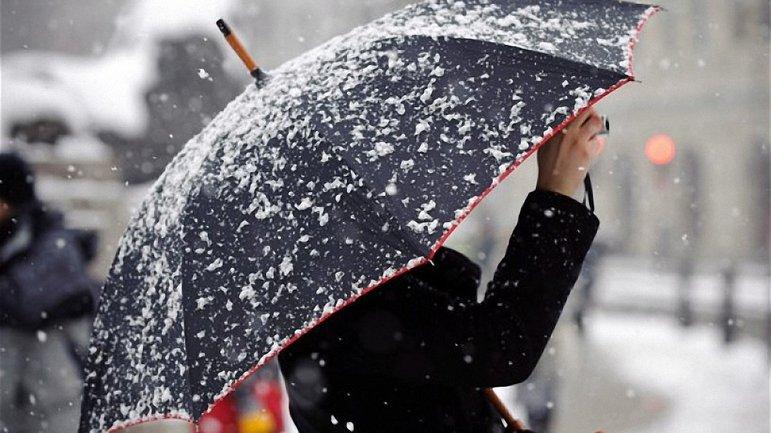 Украинцев ожидает мокрый снег с потеплением - фото 1