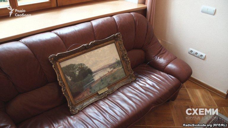 Картины из кабинетов чиновников часто не возвращаются в музеи - фото 1