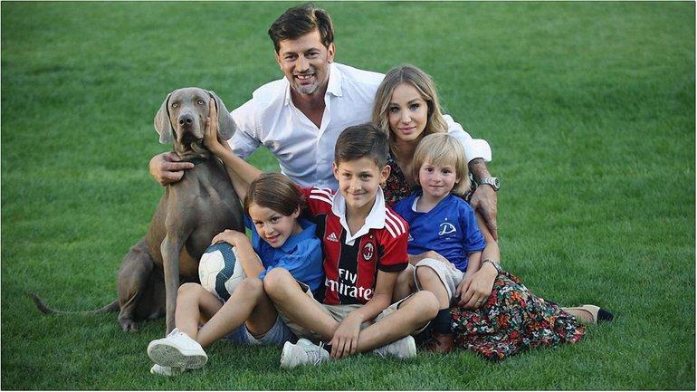 Кахабера Каладзе и Ануки Арешидзе с детьми  - фото - фото 1