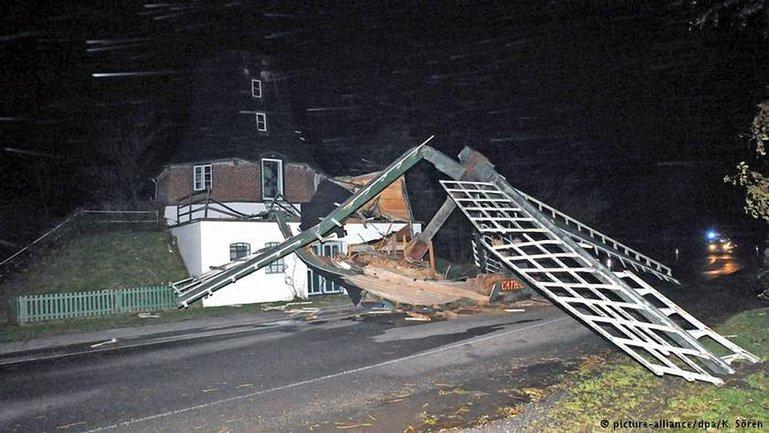 Герварт: Мощный ураган накрыл Европу - фото 1