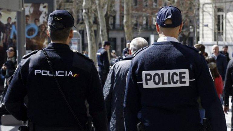В Каталонии полиция может арестовать Пучдемона - фото 1