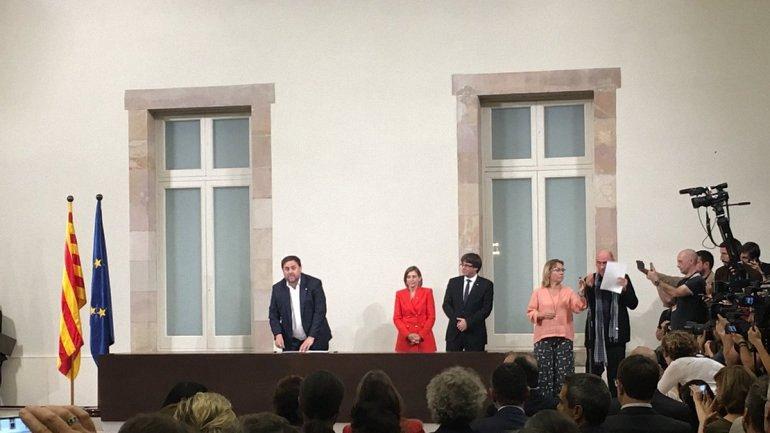 Независимость Каталонии будут обсуждать в правительстве Испании - фото 1
