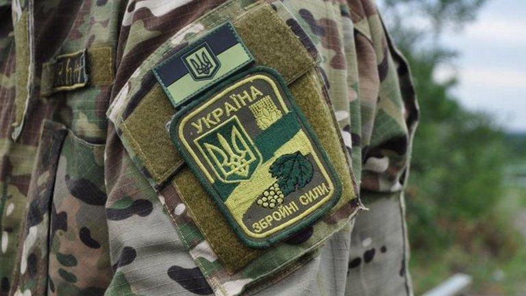 В результате обстрелов ранены три бойца ВСУ - фото 1