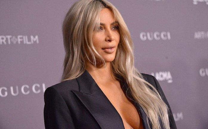Ким Кардашьян восхитила красотой в новой фотосессии для глянца S Moda - фото 1