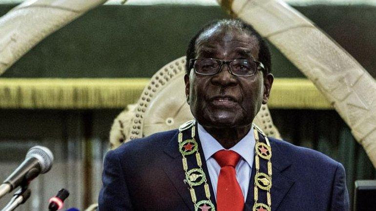Президент Зимбабве Роберт Мугабе правил 37 лет - фото 1