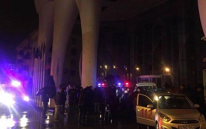 Отель Leogrand горел в Батуми 24 ноября - фото 1