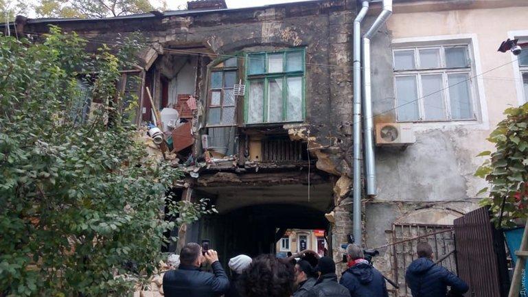 На Молдаванке рухнула стена жилого дома - фото 1