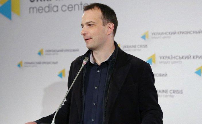 Егор Соболев утверждает, что из палаточного городка в Киеве постоянно выгоняют маргиналов - фото 1