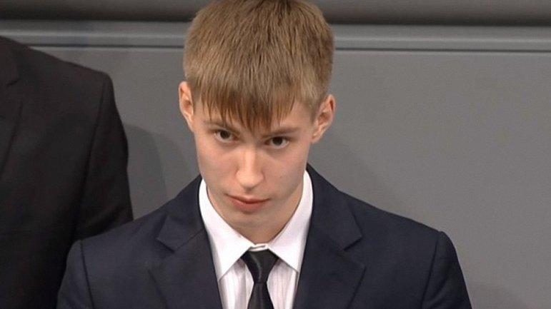 Школьник Десятниченко попал в немилость - фото 1