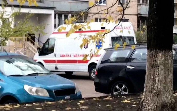В Киеве девушка покончила с собой - фото 1