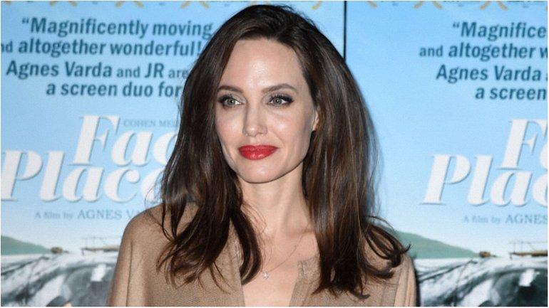 Анджелина Джоли - фото 1