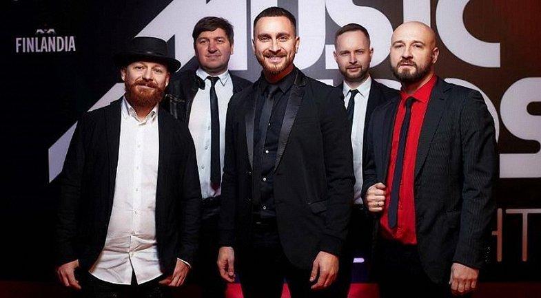 Дима Харламов из Топ-модель по-украински спел с группой СКАЙ - фото 1