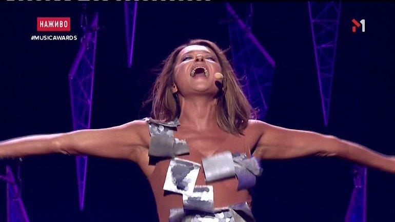 Могилевская удивила M1 Music Awards 2017 - фото 1