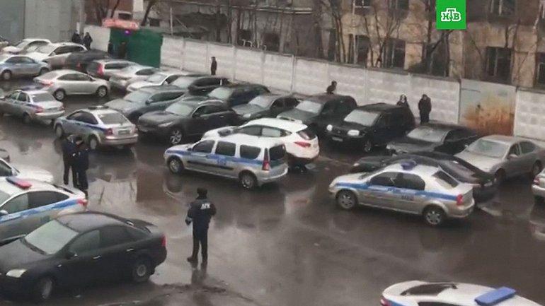 """Директор """"Меньшевика"""" устроил стрельбу  - фото 1"""