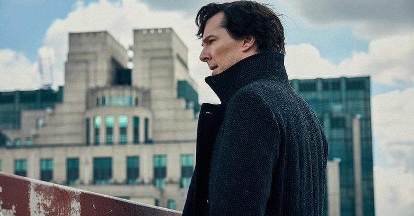 """Стивен Моффат пообещал продолжение культового сериала """"Шерлок"""" - фото 1"""