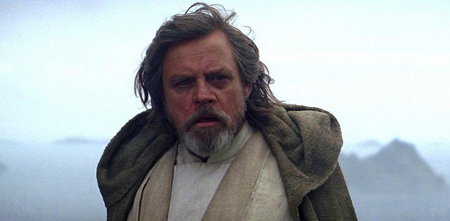 Люк Скайуокер считает, что Палпатин сильнее Сноука в Звездных войнах - фото 1