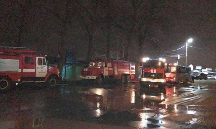 К ликвидации пожара были задействованы 6 единицах пожарной и специальной техники - фото 1