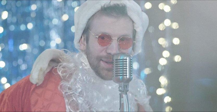 Иван Дорн в роли Деда Мороза - фото 1