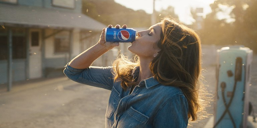 Синди Кроуфорд в легендарной рекламе - фото 1