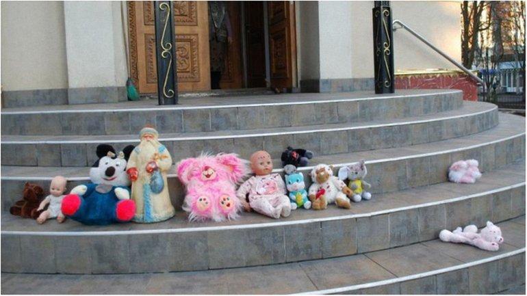 В УПЦ МП отказались отпевать малыша - фото 1