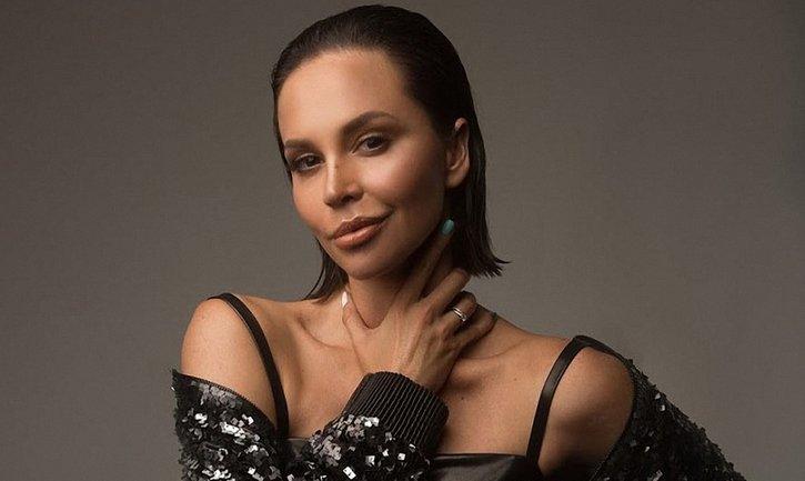 Натали Неведрова похвалилась стройными ножками, принимая ванну - фото 1