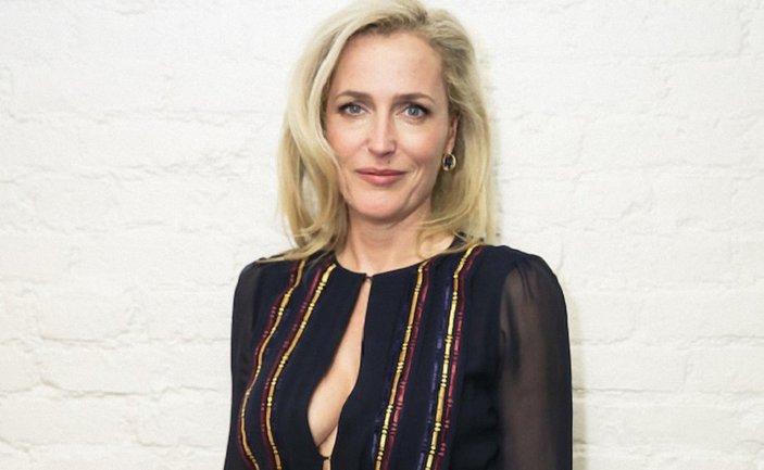 Джиллиан Андерсон обнажилась для кампании против ношения меха - фото 1