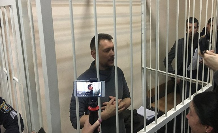 Анатолий Мазур будет носить электронное средство контроля - фото 1