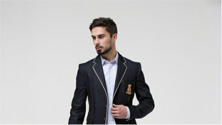 Биография и фото актера Никиты Вакулюка - учителя английского Алекса в сериале Школа на 1+1 - фото 1