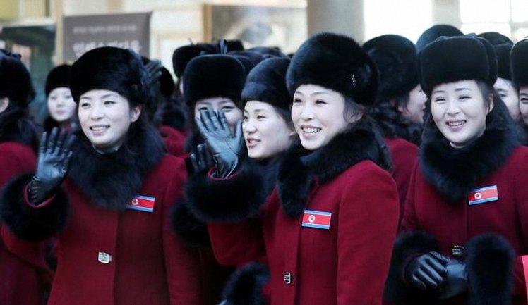 Болельщицы из КНДР оказались сексуальными рабынями - фото 1