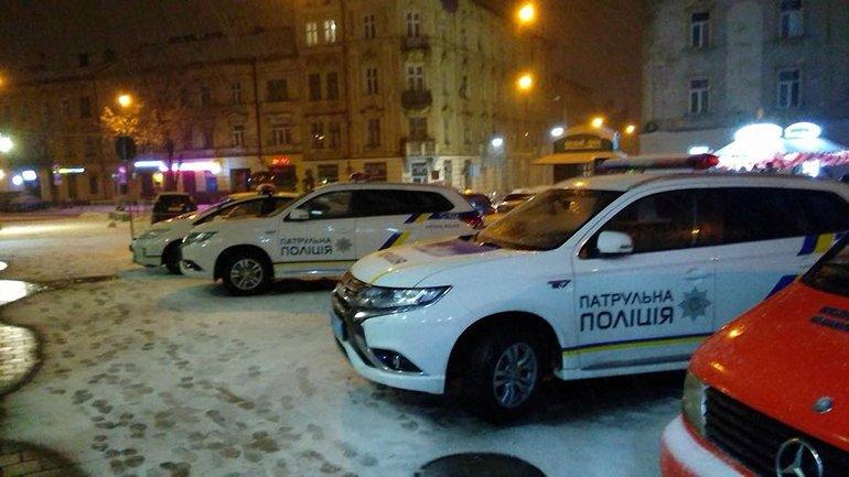 Во Львове во время рейда полиции умер парень - фото 1