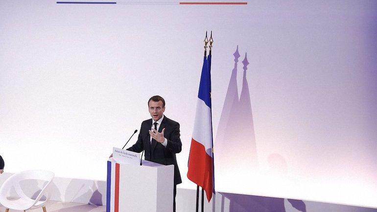 Макрон предложил время для высылки дипломатов в РФ - фото 1
