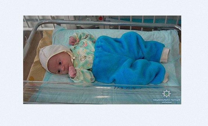 Младенец в крайне запущенном состоянии и достаточно истощен - фото 1