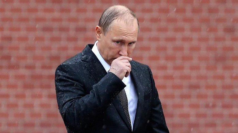 Плешивый карлик стал президентом России в 4 раз - фото 1