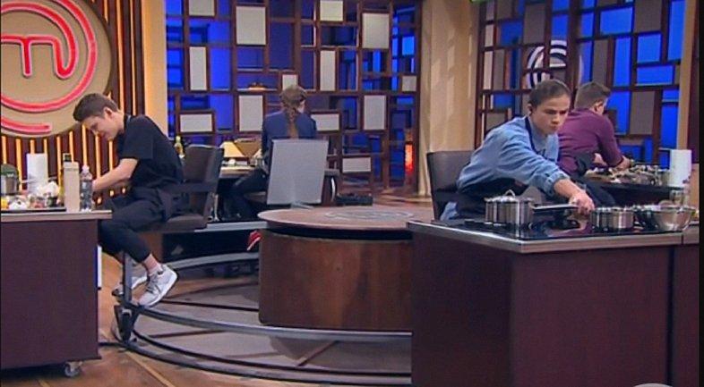 МастерШеф Подростки 9 выпуск: кто покинул шоу - фото 1