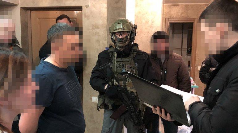 """Бизнесмен владеет магазинами в """"ДНР"""" - фото 1"""