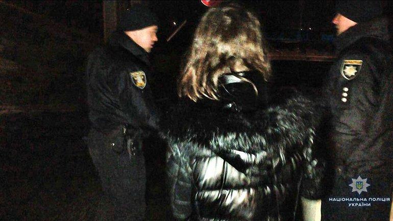 В Николаеве пьяная женщина сбросила своего сына с моста - фото 1