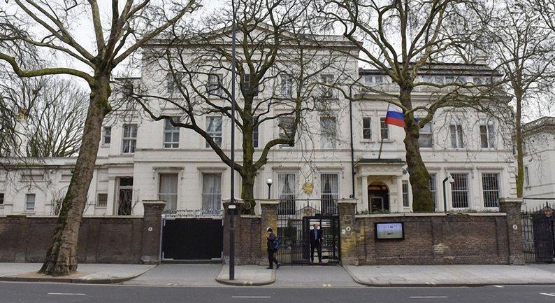 Цивилизованные страны высылают российских дипломатов - фото 1