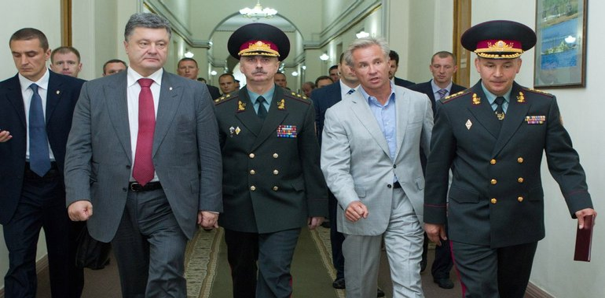 Советник Порошенко регулярно нарушает поставновления Кабмину - фото 1